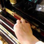 お仏壇の掃除 漆(黒塗り部分)の磨き方