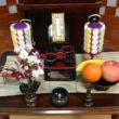 祭壇の配置、お供え物