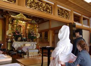 お寺で結婚式