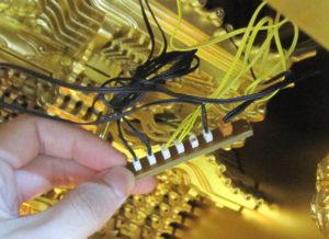 仏壇内側の電気